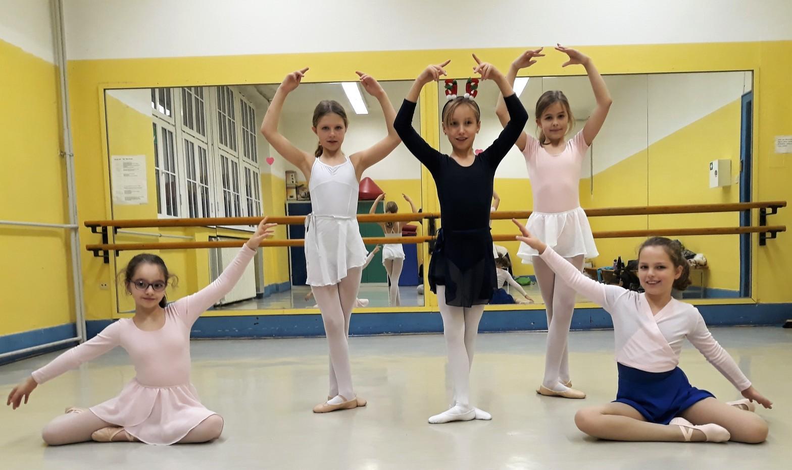 Ballett Weihnachten 2019.Ballett Für Kinder Dintje Dance